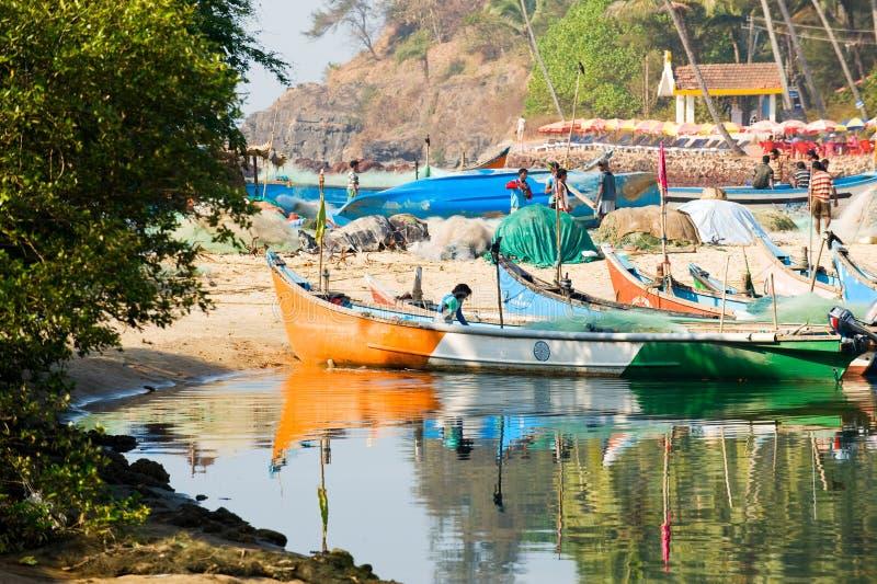 Fiskare som tillbaka kommer till Baga, Goa, Indien royaltyfri bild