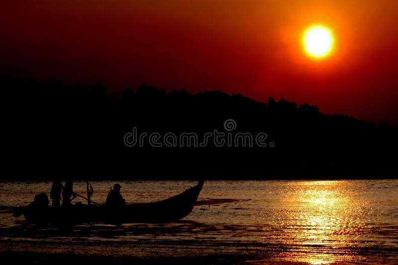 Download Fiskarearbete fotografering för bildbyråer. Bild av segla - 276227