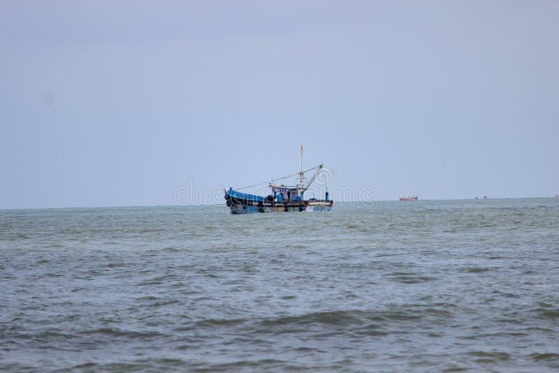 Fiskarefartyg i indiern arkivfoto