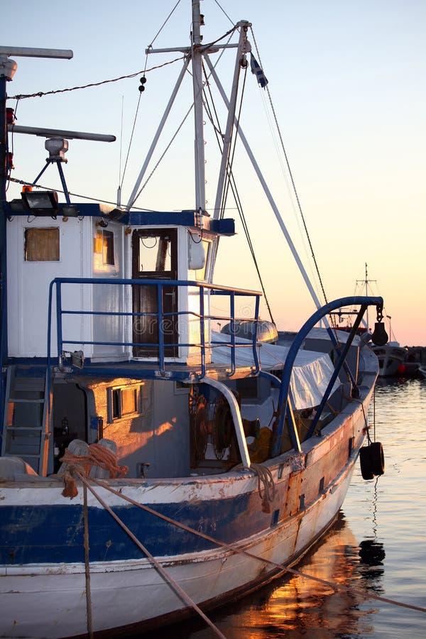 fiske för 2 fartyg arkivbild