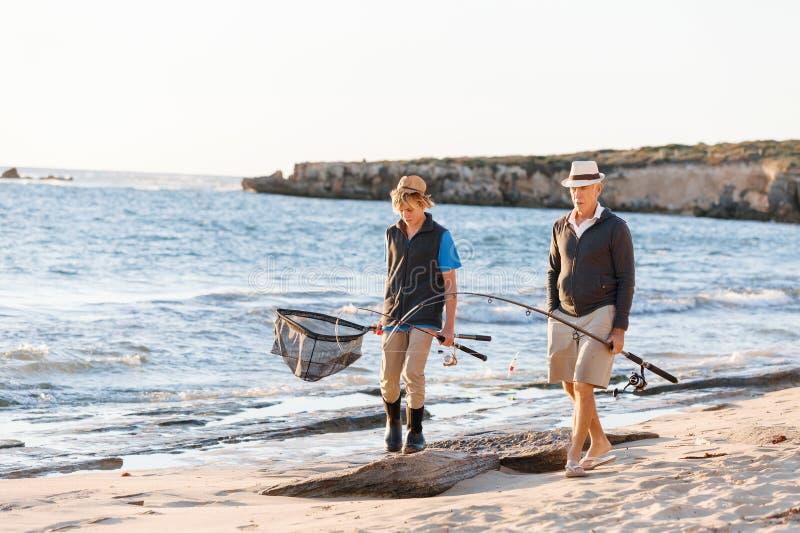 Download Fiske För Hög Man Med Hans Sonson Fotografering för Bildbyråer - Bild av ferie, avkoppling: 78731787