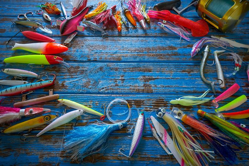 Fiske lockar redskapsamlingssmå fiskar royaltyfri fotografi