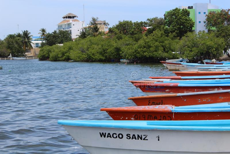 Fiskebåtar i Bani, Dominikanska republiken arkivfoto