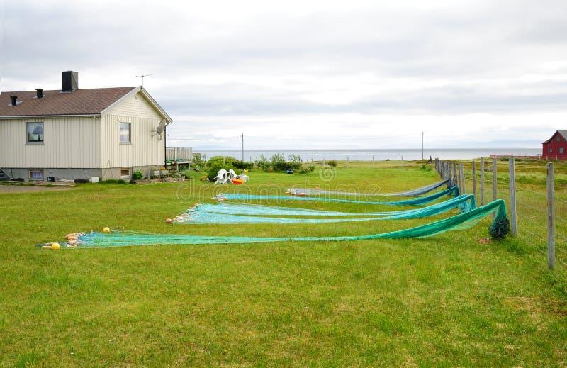 fiskehuset förtjänar den norska små gården arkivbilder