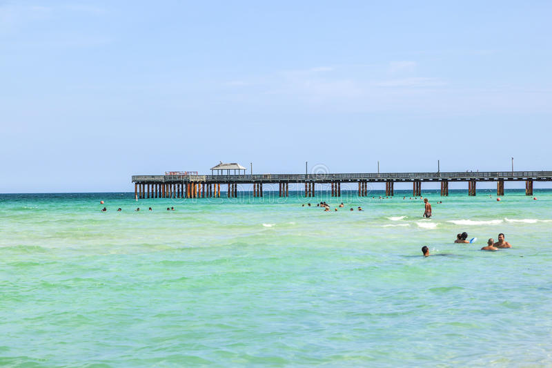 Fiskepir i Sunny Isles, Florida royaltyfri foto