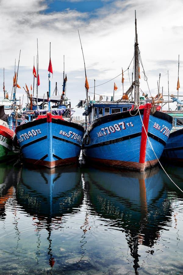Fiskeport i danang i Vietnam arkivbild