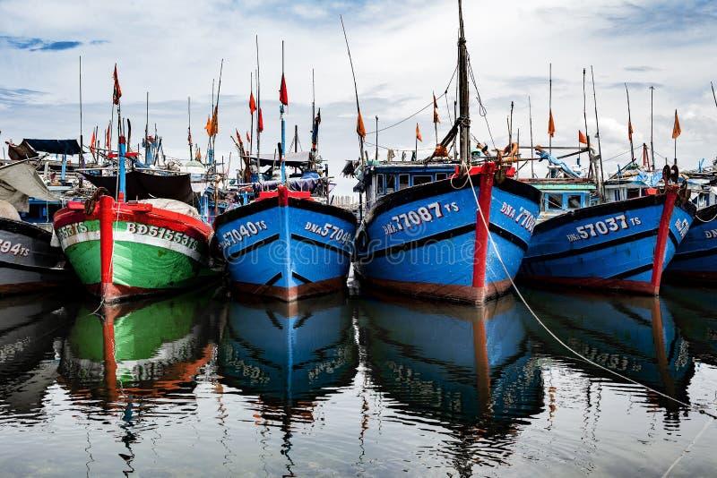 Fiskeport i danang i Vietnam royaltyfri fotografi