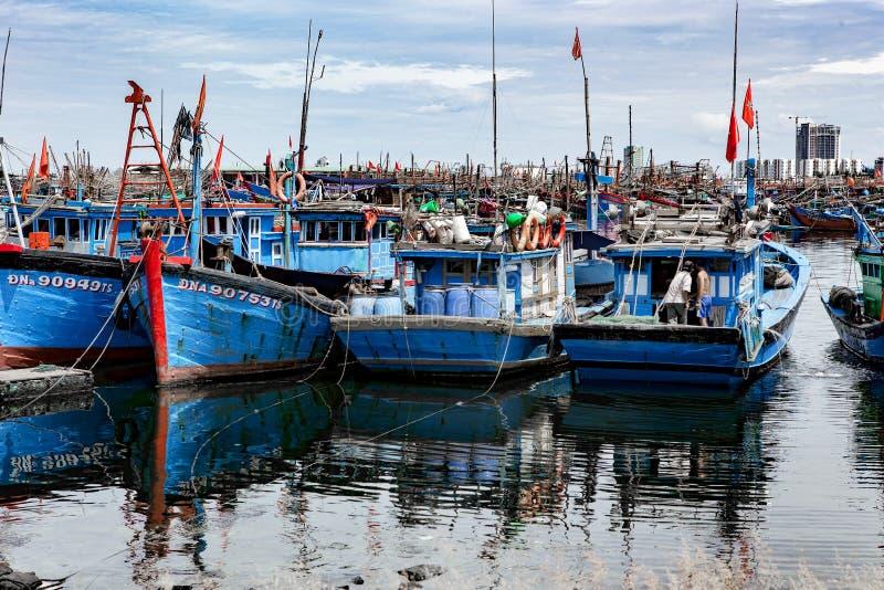 Fiskeport i danang i Vietnam arkivfoton