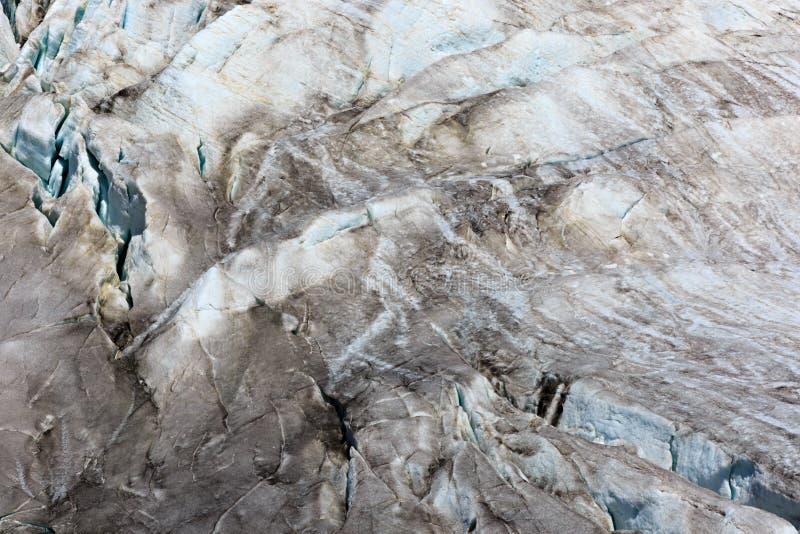 Fissures dans le petit glacier d'Azau sur le mont Elbrouz photographie stock
