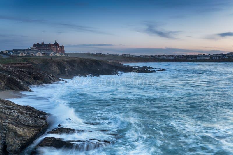 Fistral海滩的风雨如磐的海 免版税库存图片