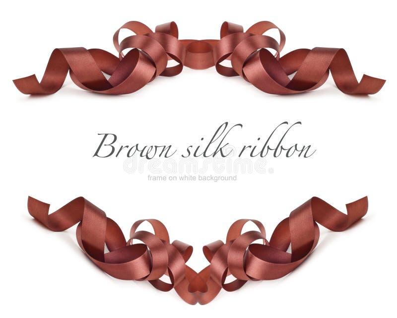Fita de seda de Brown no branco imagens de stock royalty free