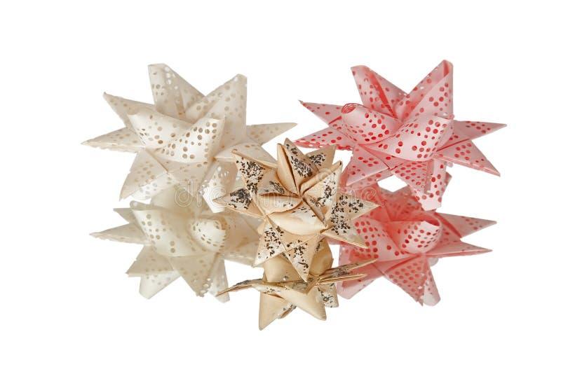 A fita perfurada velha foi usada para fazer a decoração do Natal imagens de stock