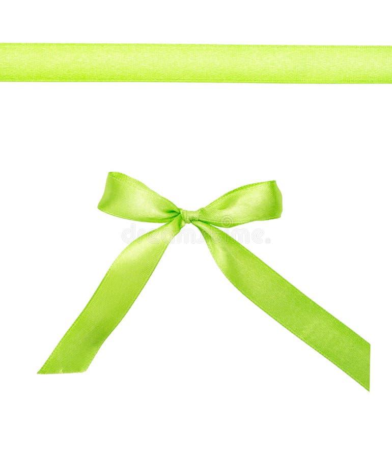Fita verde com uma curva isolada no branco fotos de stock royalty free