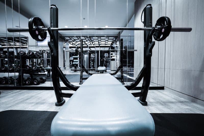 Fitness-Club-Innenraum stockbild