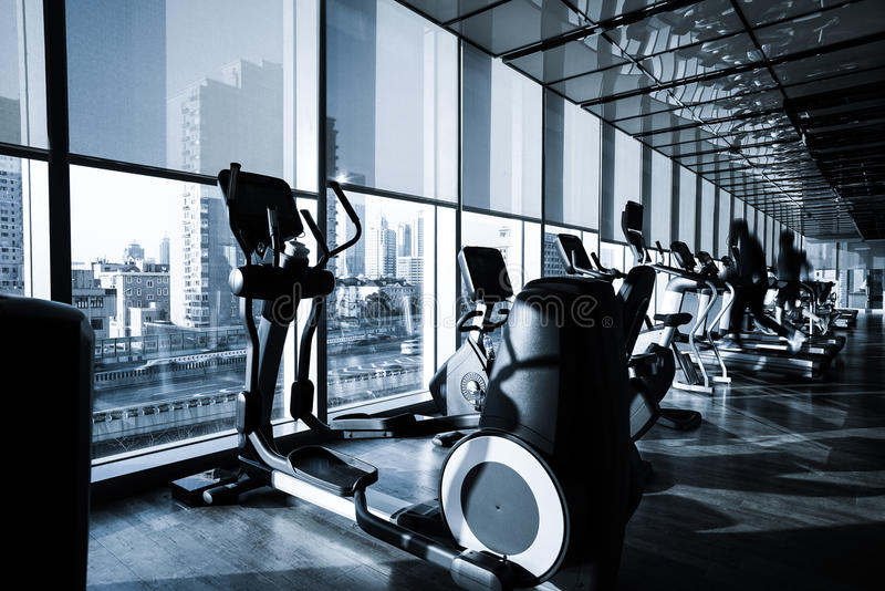 Fitness-Club-Innenraum stockfotos