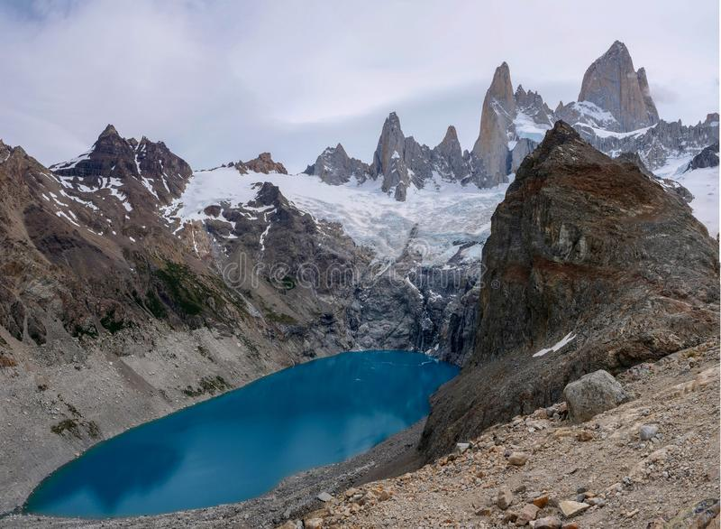 Fitz Roy Argentina - bergmeer stock foto