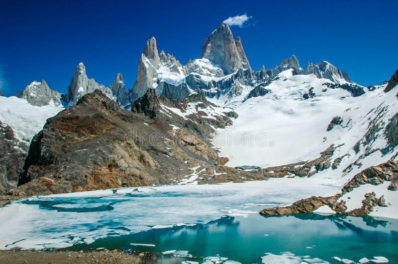 Fitz Roy Mountain avec le lac image libre de droits