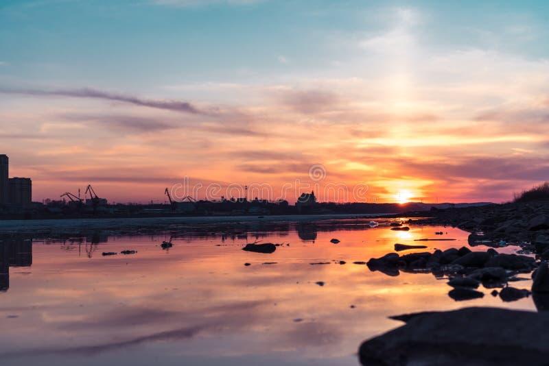 Fiume Amur al tramonto immagine stock