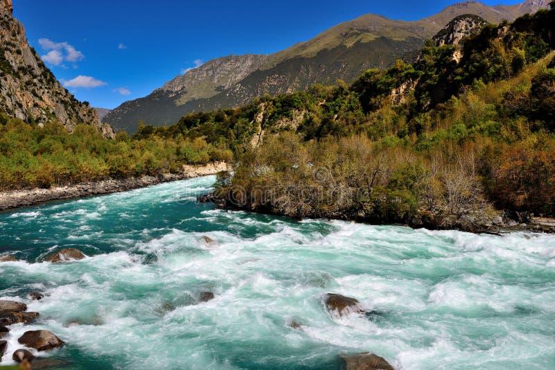 Fiume del Tibet immagini stock