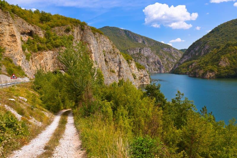 Fiume di Drina vicino a Visegrad - la Bosnia-Erzegovina fotografia stock