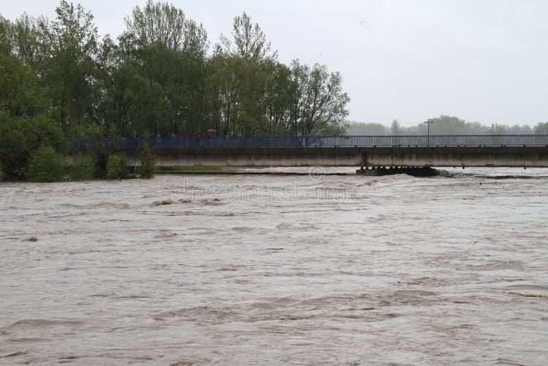 Fiume di inondazione fotografia stock