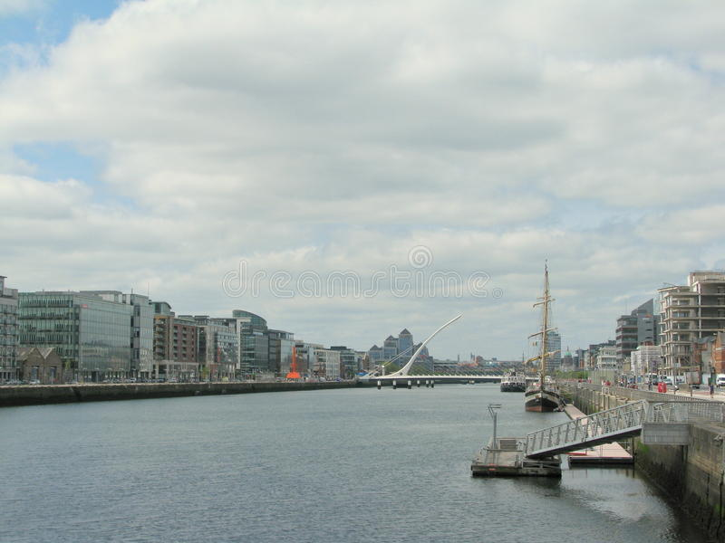 Download Fiume di Liffey fotografia editoriale. Immagine di fare - 55350912