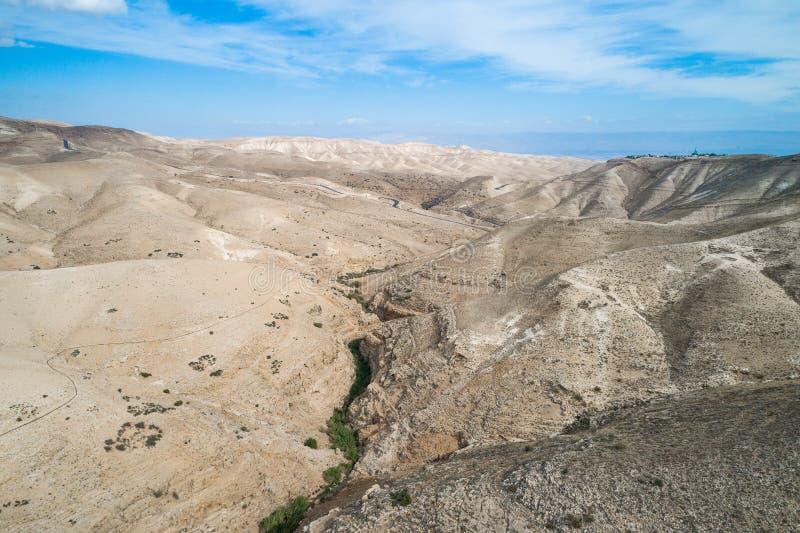 Fiume di Prat in Israele Valle di Wadi Qelt nella Cisgiordania fotografia stock
