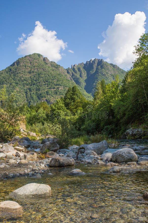 Fiume di Sesia - Piemonte - Italia fotografia stock