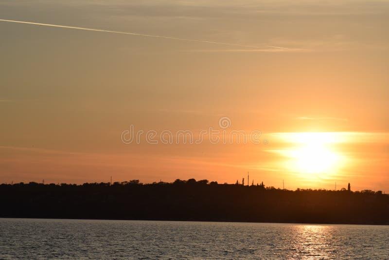 Fiume di tramonto fotografie stock libere da diritti