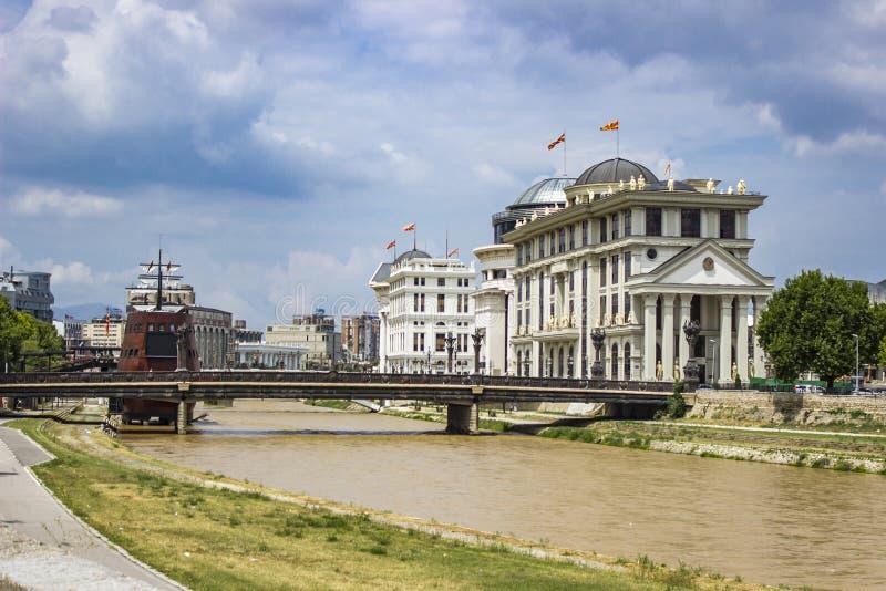 Fiume di Vardar a Skopje, Macedonia immagini stock