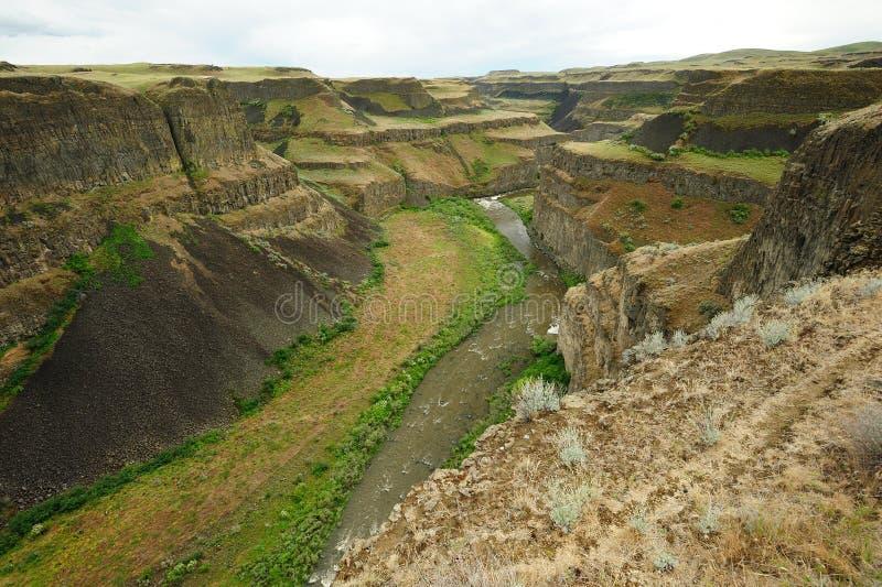 Fiume e canyon fotografia stock