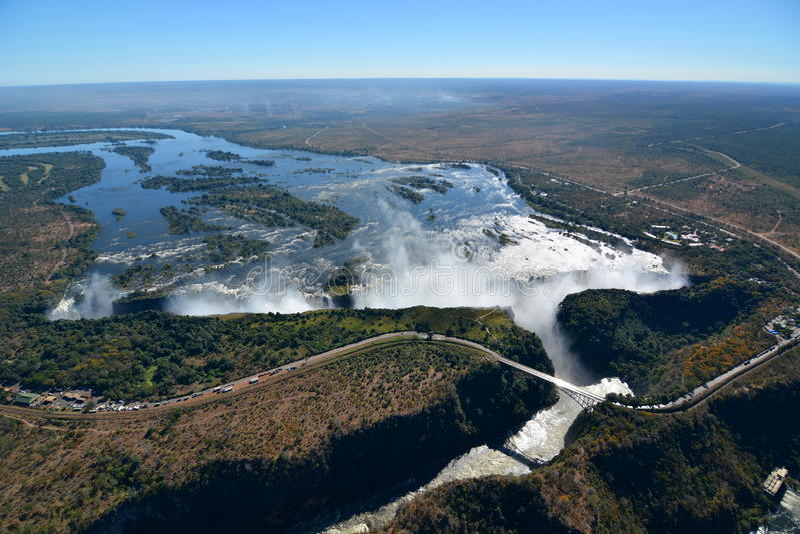 Fiume e Victoria Falls di Zambesi zimbabwe fotografie stock libere da diritti