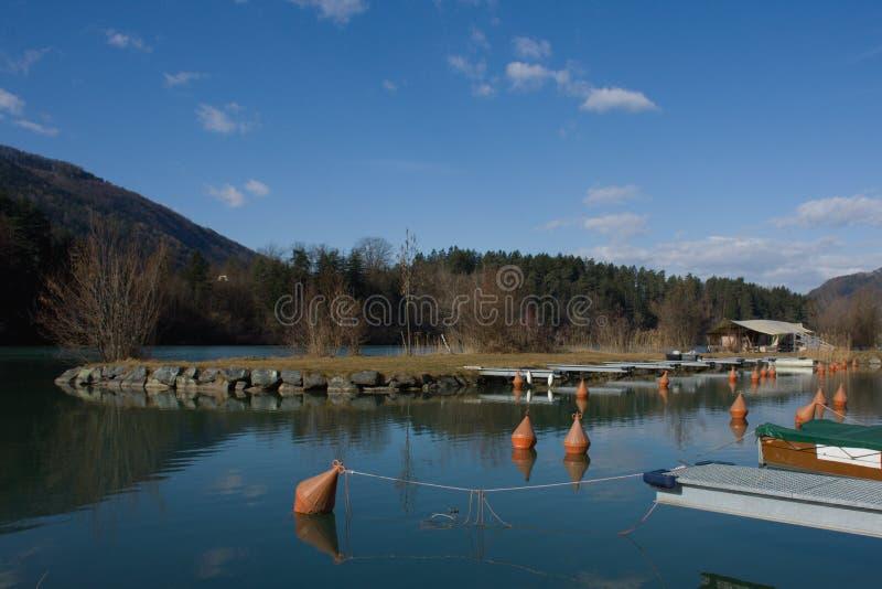 Fiume il Drava in Austria del sud vicino al confine con la Slovenia fotografia stock libera da diritti
