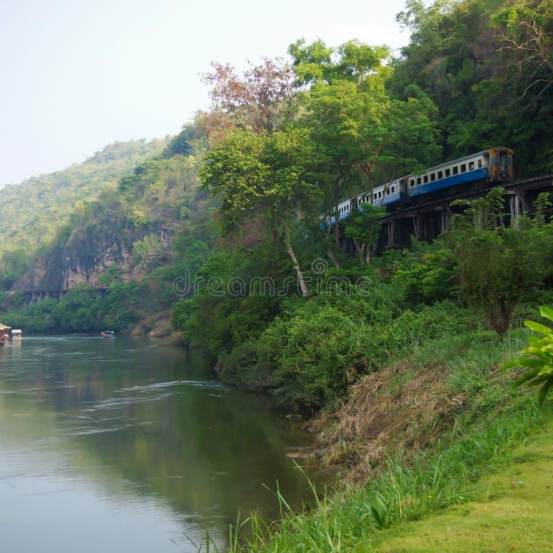 Fiume Kwai e ferrovia e ponte di morte immagine stock libera da diritti