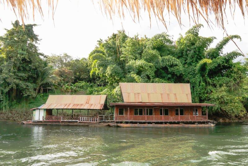 Fiume Kwai Kanchanaburi di viaggio della Tailandia fotografie stock libere da diritti