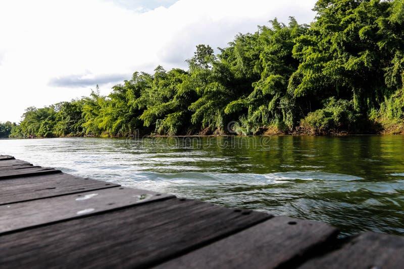 Fiume Kwai Kanchanaburi di viaggio della Tailandia fotografia stock