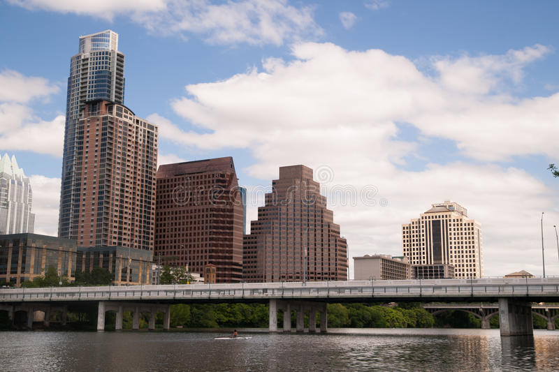 Fiume liscio di Austin Texas Downtown City Skyline Colorado di riflessione fotografie stock