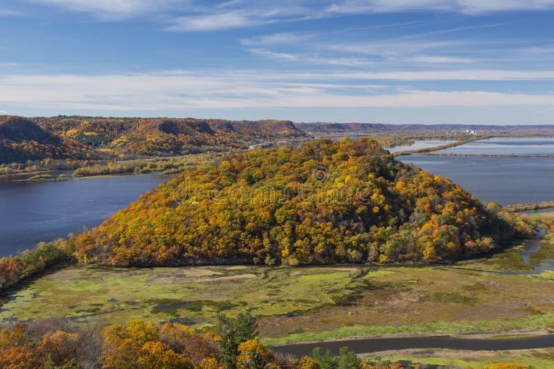 Fiume Mississippi in autunno immagini stock libere da diritti