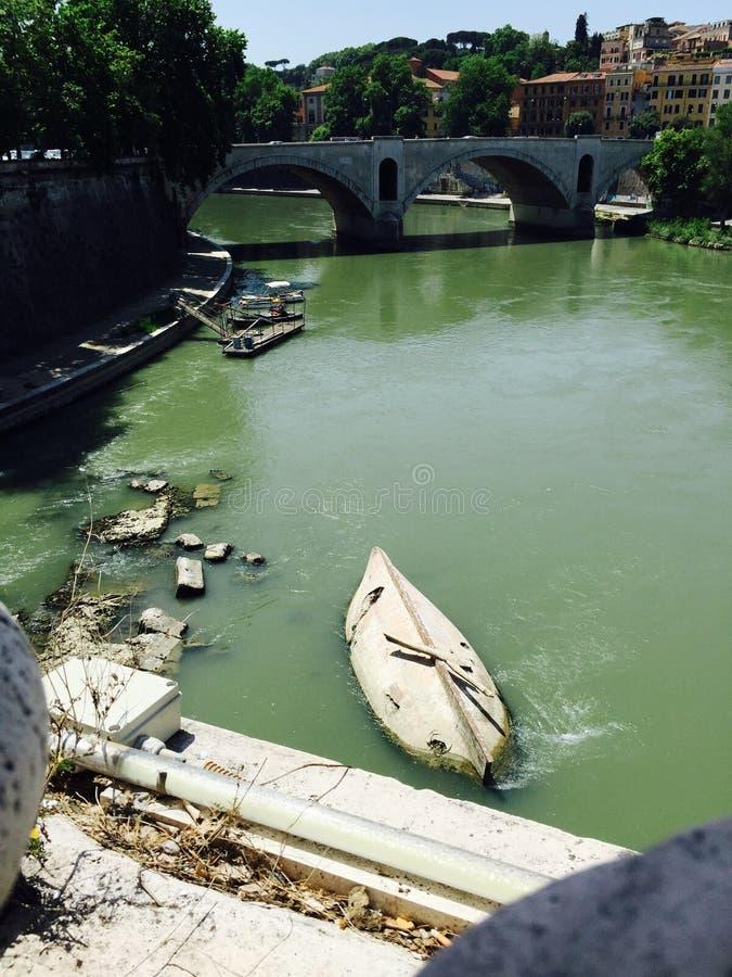 Fiume Tevere στη Ρώμη, Ιταλία στοκ φωτογραφία με δικαίωμα ελεύθερης χρήσης