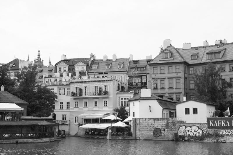 Fiume vivente la Moldava di Europa Kampa di viaggio della repubblica Ceca di czechia immagine stock