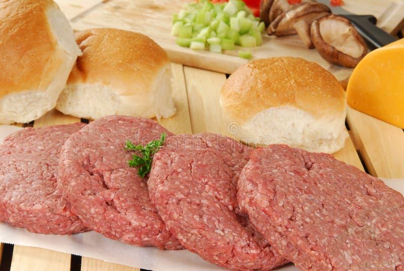 Download Fixações do Hamburger foto de stock. Imagem de tomates - 16865430