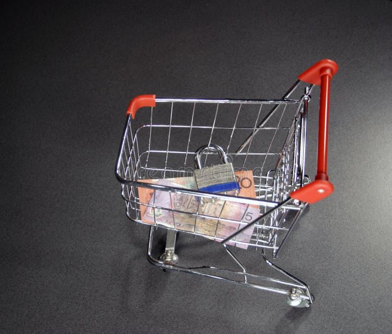 Fixe o carro de compra fotografia de stock royalty free