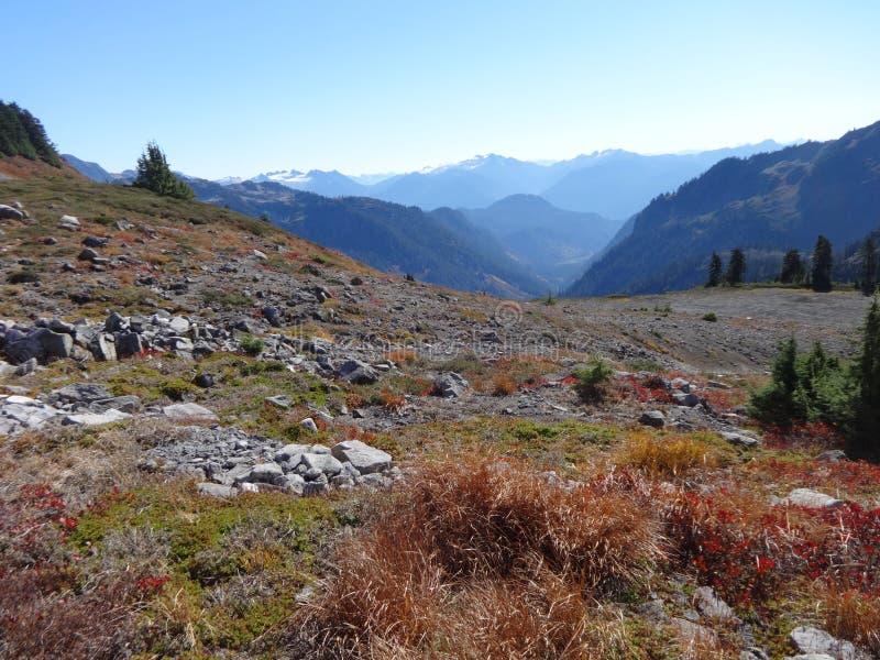 Fjällripa Ridge i nedgång royaltyfri fotografi