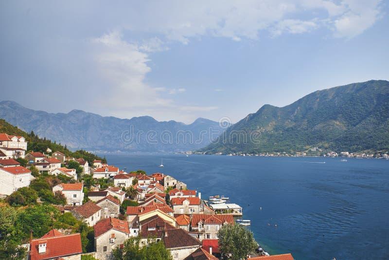 Fjärd av Kotor från klockatorn av kyrkan av St Nikola in från Perast, Montenegro fotografering för bildbyråer