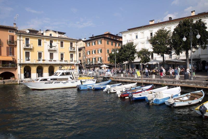 Download Fjärd Sjö Garda, Malcesine, Italien Redaktionell Arkivfoto - Bild av sikt, medelhavs: 78731503