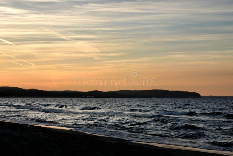 Download Fjärdafton arkivfoto. Bild av horisont, murk, blekna, mood - 242174