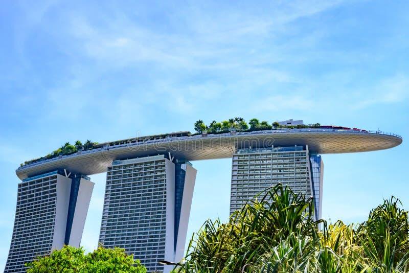 fj?rdhotellmarinaen sands singapore Tak av Marina Sands det lyxiga hotellet arkivfoto