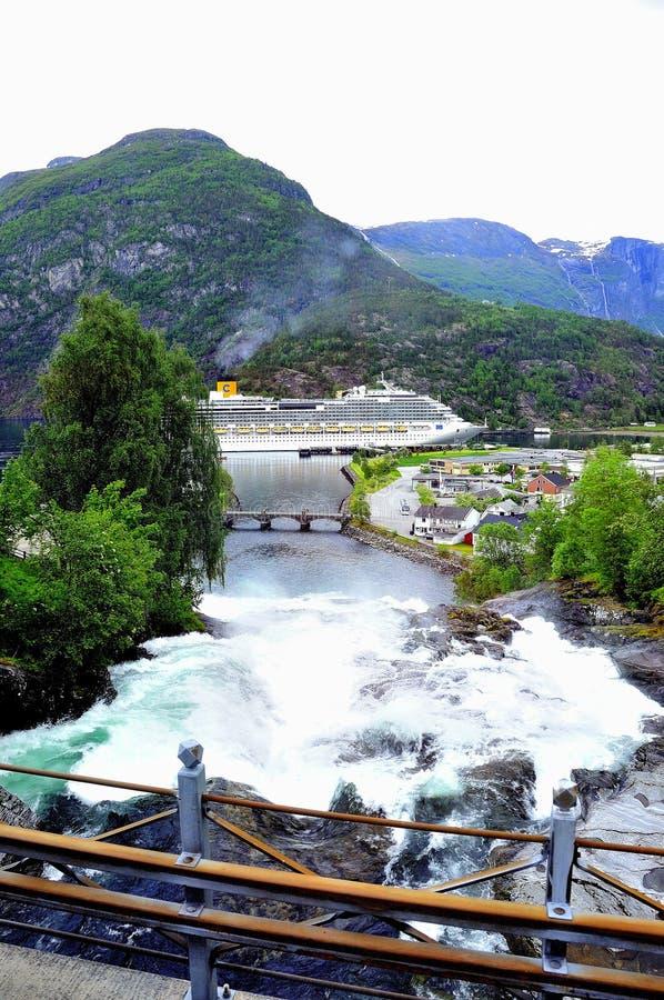 Fjord av geirangerfjorden, royaltyfri foto