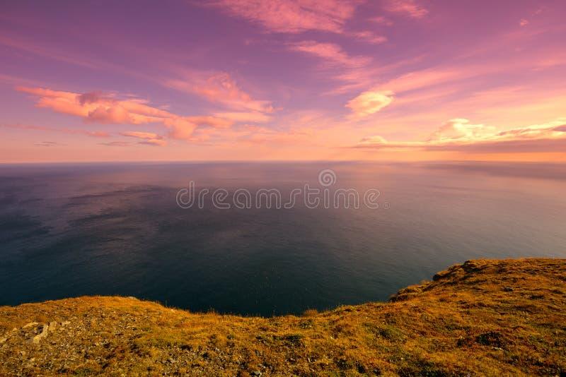 Fjord bij zonsondergang royalty-vrije stock foto's