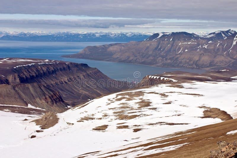 Fjord d'Isfjorden sur l'archipel de Svalbard image stock